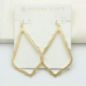 NWT Kendra Scott SOPHEE Earrings in Gold